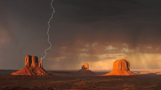 Lightning in Monument Valley